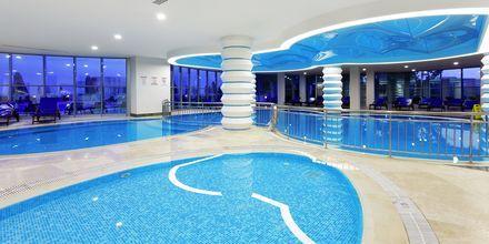 Inomhuspoolen på hotell Melas Resort i Side, Turkiet.