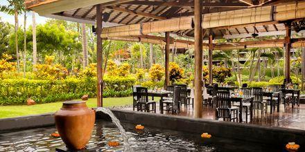 Restaurang Lotus Garden på hotell Melia Bali Villas & Spa i Nusa Dua, Bali.