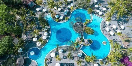 Poolområde på hotell Melia Bali Villas & Spa i Nusa Dua, Bali.