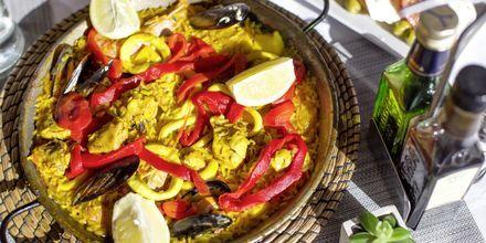 En spansk klassiker, paella i Meloneras på Gran Canaria, Spanien.