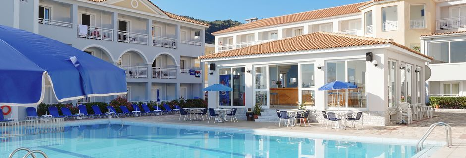Poolområde på hotell Meridien Beach på Zakynthos, Grekland.