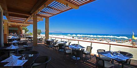 Strandrestaurang Korali på hotell Minoa Palace Resort & Spa i Platanias på Kreta, Grekland.