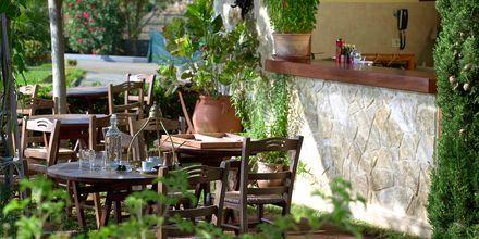 Café på hotell Minoa Palace Resort & Spa i Platanias på Kreta, Grekland.