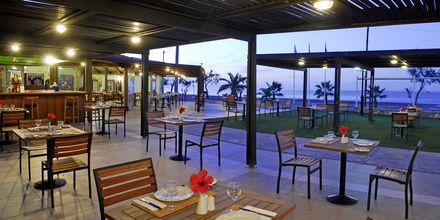 Strandrestaurang på Minos Mare Royal.