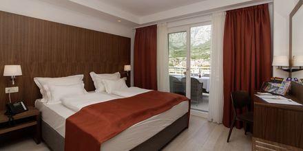 Tvårumslägenheter på hotell Miramare i Makarska, Kroatien.