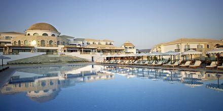 Poolområdet på Laguna Resort & Spa i Anissaras, Kreta.