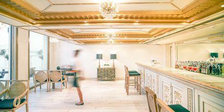 Bar på hotell Laguna Resort & Spa i Anissaras.