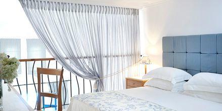 Familjerum i etage på hotell Mitsis Norida Beach Hotel på Kos, Grekland.