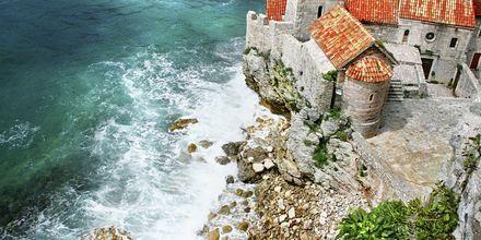 Del av den gamla bebyggelsen i Budva stad, Montenegro.