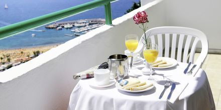 Balkongutsikt från hotell Monteparaiso i Puerto Rico, Gran Canaria.