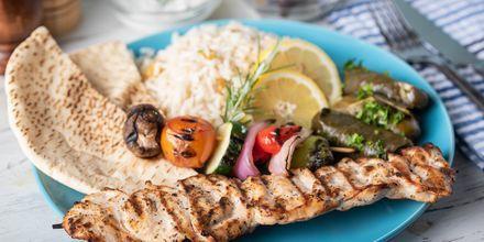 Traditionella grekiska rätter är ett måste under semestern!
