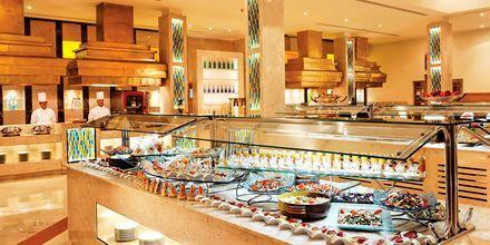 Bufférestaurang på Hotell Mövenpick Resort & Spa i El Gouna, Egypten.