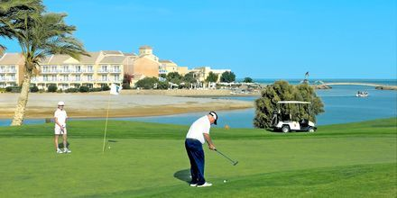 Golf vid Hotell Mövenpick Resort & Spa i El Gouna, Egypten.