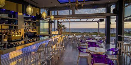 Bar på hotell Must i Kanali, Grekland.