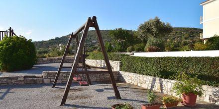 Lekplats på hotell Mykali i Pythagorion, Samos.