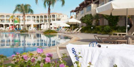 Huvudpoolen på hotell Mythos Beach Resort i Afandou, Rhodos.