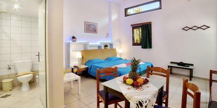 Enrumslägenhet på hotell Mythos Platanias på Kreta.