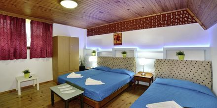 Tvårumslägenhet i etage på hotell Mythos Platanias på Kreta.