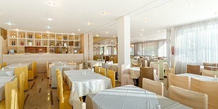 Restaurang på hotell Livadi Nafsika i Dassia på Korfu, Grekland.