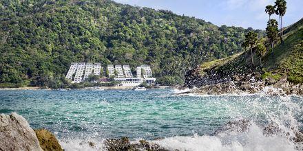 Nah Harn Beach är en av Phukets vackraste stränder och ligger i söder.
