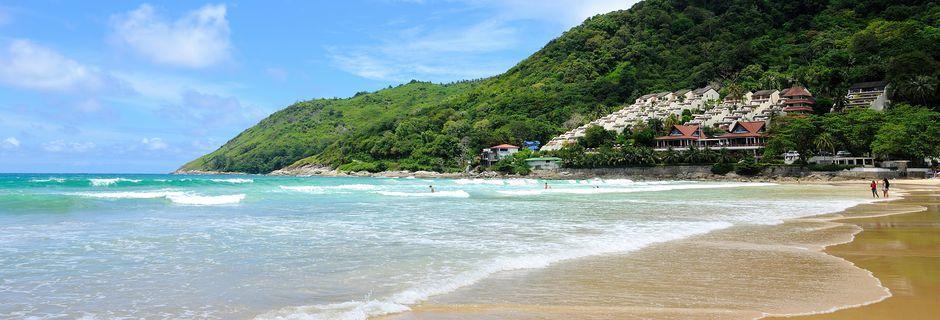 Nai Harn Beach är en av Phukets finaste stränder.