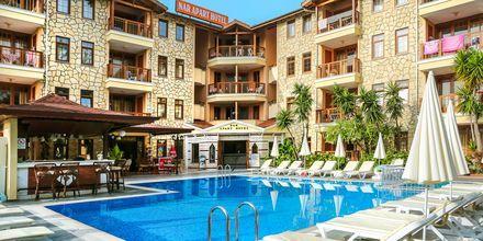 Poolområdet på hotell Nar Apart i Side, Turkiet.