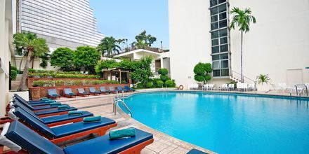 Poolen på hotell Narai i Bangkok, Thailand.