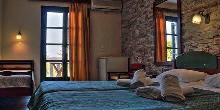 Dubbelrum på hotell Naxos Beach i Naxos stad, Grekland.