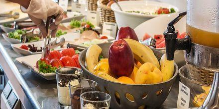 Frukost på hotell Naxos Magic Village på Naxos i Grekland.
