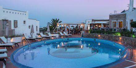 Pool på hotell Naxos Magic Village på Naxos i Grekland.