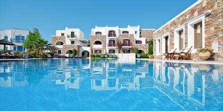 Poolområdet vid Naxos Resort, Grekland.