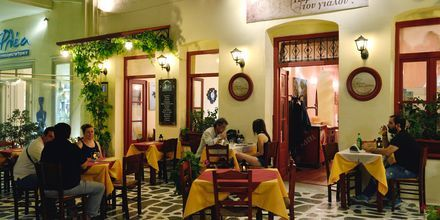 Restaurang i Naxos stad, Grekland.