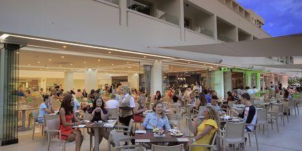 Restaurang på hotell Nelia Beach i Ayia Napa, Cypern.