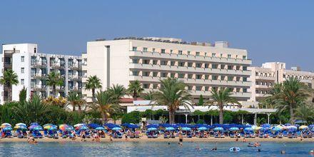 stranden vid hotell Nelia Beach i Ayia Napa, Cypern.