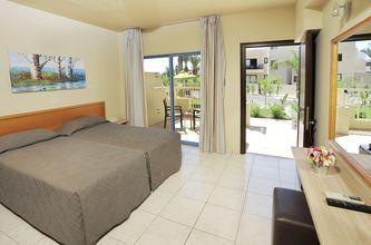 Enrumslägenhet på hotell Nelia Gardens, Ayia Napa.