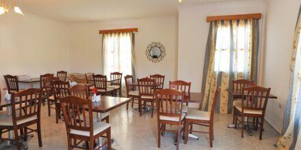 Lounge Hotell Neraida på Karpathos, Grekland.