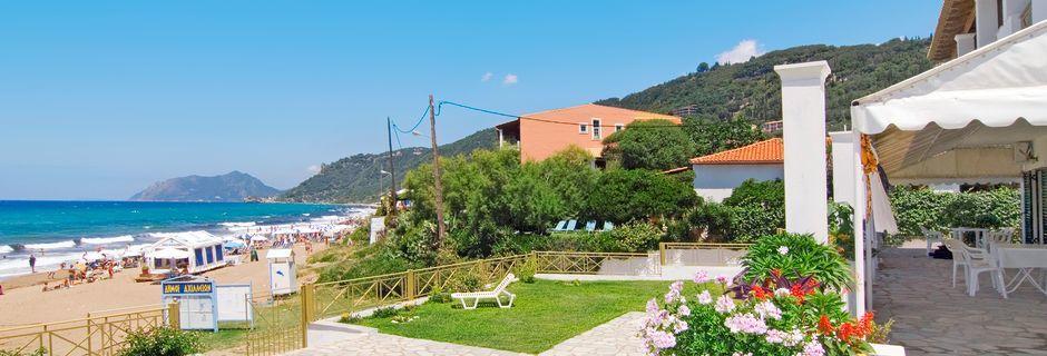 Hotell Nereides i Agios Gordis på Korfu, Grekland.