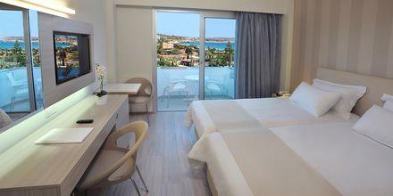 Dubbelrum på hotell Nestor i Ayia Napa, Cypern.