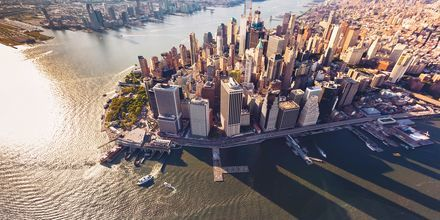 Att ta en båttur i New York är varmt rekommenderat.