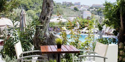 Poolbar på hotell Nicholas i Megali Ammos på Skiathos.