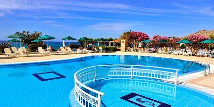 Poolområde på hotell St James´s på Rhodos, Grekland.