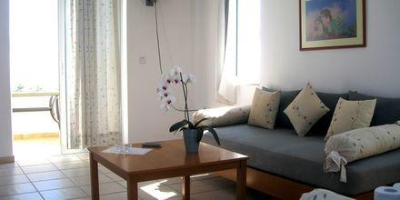 Tvårumslägenhet på hotell Ninemia Beach i Agia Marina, Kreta.