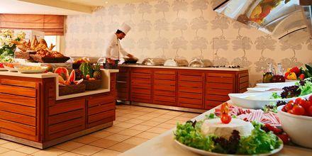 Bufférestaurangen på hotell Nissi Beach i Ayia Napa, Cypern.