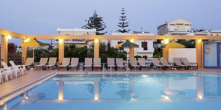 Poolen på hotell Nontas på Kreta, Grekland