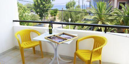 Enrumslägenhet på hotell Oasis på Karpathos, Grekland.