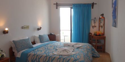 Dubbelrum på hotell Oceanis i Karpathos stad, Grekland.