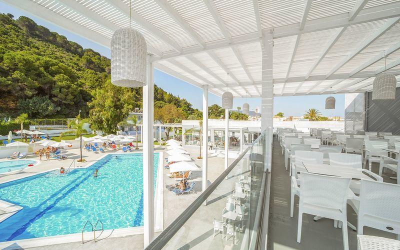 Hotell Oceanis Park i Ixia på Rhodos, Grekland.