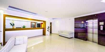 Receptionen på hotell Oceanis Park i Ixia på Rhodos, Grekland.