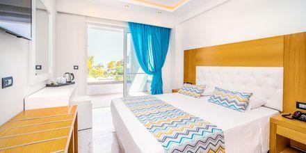 Dubbelrum på hotell Oceanis Park i Ixia på Rhodos, Grekland.