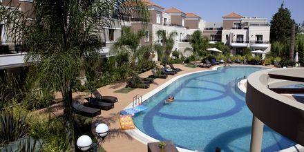 Pool på Okeanis Golden Resort, Kreta, Grekland.